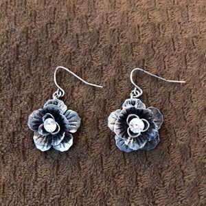 Premier Jewelry rose flower earrings NEW